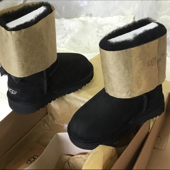 10605fdf433 NEW UGG BOOTS DOUBLE BOW FOR TODDLERS SIZE 9 NWT